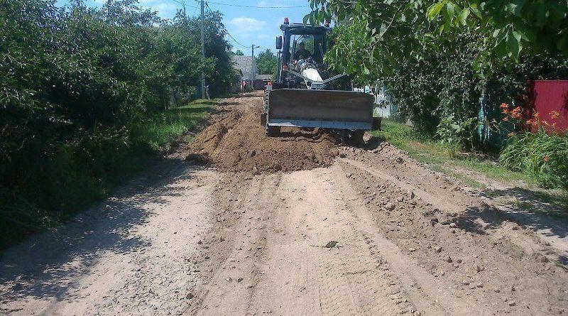 Триває ремонт доріг на вулицях міста