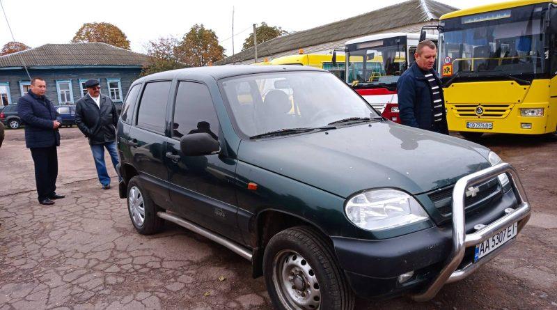 """КЗ """"Городнянський міжшкільний ресурсний центр""""  отримав автомобіль для навчання від міської ради"""