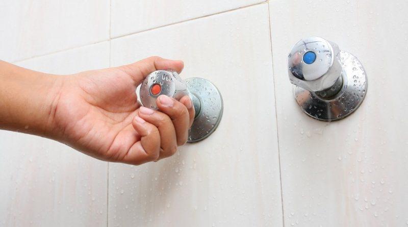 Щодо укладення договорів на отримання послуг централізованого гарячого водопостачання
