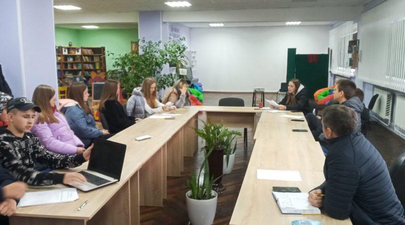 На позачерговому засіданні Молодіжної ради головою призначили Владислава Будника